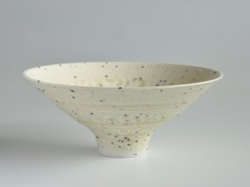 Grogged porcelain bowl 26cm diameter.
